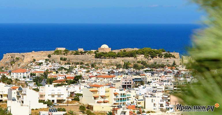 Поездка на запад острова Крит: вдалеке виднеется город Ретимно. Крит, Греция