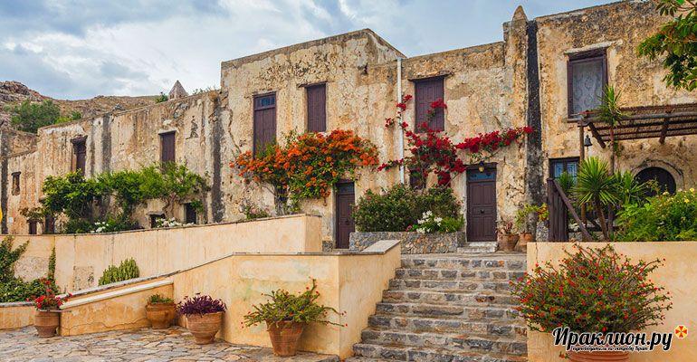 Поездка в монастырь Превели. Крит, Греция.