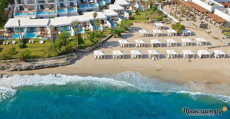 Удачное расположение курорта: берег моря и близость к ключевым достопримечательностям острова. Крит, Греция.