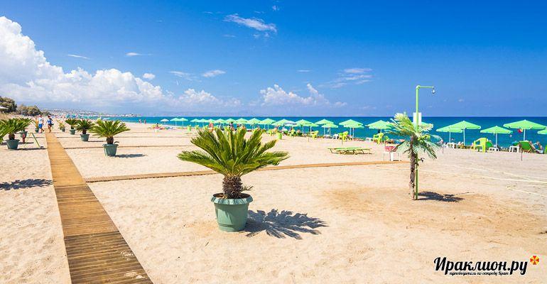 Местные пляжи помогут расслабиться после активных поездок по острову!