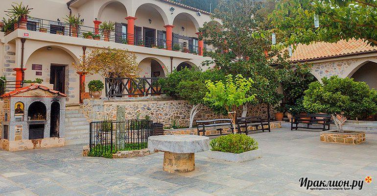 Экскурсия по территории монастыря Богородицы Сердечной. Крит, Греция.