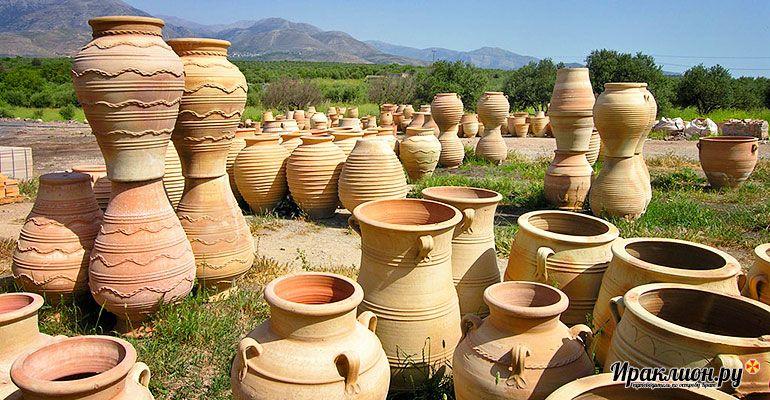 Гончарная мастерская на плато Лассити. Крит, Греция.