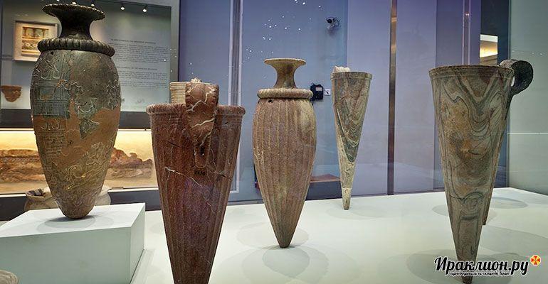 Посмотреть археологические экспонаты в музее.