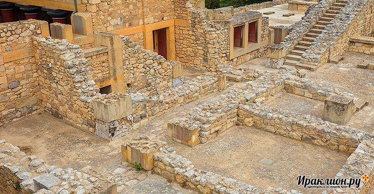 Вторая половина дня - маршрут экскурсии в лабиринтах Кносского дворца. Крит, Греция.